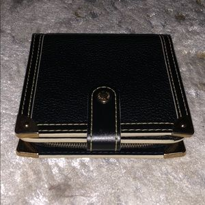 Louis Vuitton zipper Suhali wallet